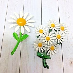 2 Vtg Enamel Daisy Pin/Brooches 1960's